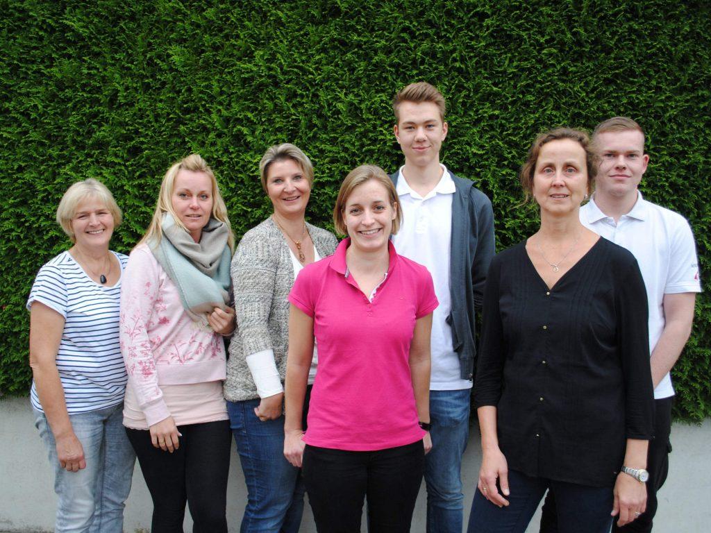 Adelheid Beckwilm, Ludmila Klassen, Patricia Merkentrup, Jennifer Möllers, Robin Außendorf, Annegret Sowa und Nils Jasper