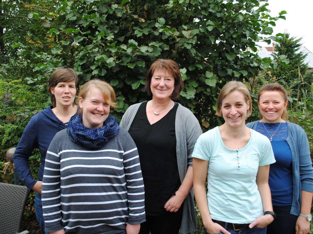 Katharina Berger, Sonja Mraß, Ulrike Kerkhoff, Jennifer Möllers und Lilia Rau (v.l.n.r.)